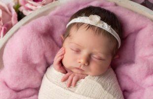 das gesicht von einem wunderschönen baby